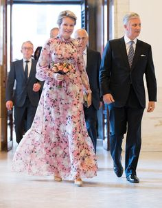 Queen Mathilde wore a new floral print silk gown by Erdem. Princess Estelle, Crown Princess Victoria, Princess Charlotte, Style Royal, Religious Wedding, Estilo Real, Civil Ceremony, Silk Gown, Pippa Middleton