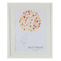 """Der Wedding Tree """"Heißluftballon"""" ist ein besonderes Gästebuch für individudelle Hochzeiten. Jeder Gast kann sich mit einem Fingerabdruck und seinem Namen verewigen."""