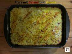 Pizza mit Salami und Gouda