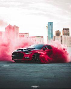 Red Smoke ! #fordmustang