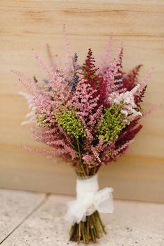 Flores noviaaaa Astilbe Bouquet, Peach Bouquet, Flower Bouquet Wedding, Bride Bouquets, Bridesmaid Bouquet, Floral Bouquets, Rustic Bouquet, Countryside Wedding, Ideas Para