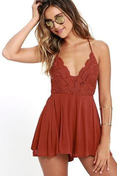 Don't be surprised if the paparazzi starts following you while you strut your stuff in the Star Spangled Rust Red Backless Lace Romper! Scalloped V-neck bodice with an open back, crisscrossing, adjustable spaghetti straps, and side boning. Woven rayon shorts flutter gracefully thanks to box pleat detailing. Elastic back with hidden zipper and clasp.
