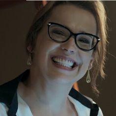 b3078449d0633 Os óculos da Emilia da novela Além do tempo já chegaram nas Óticas Wanny   oticaswanny