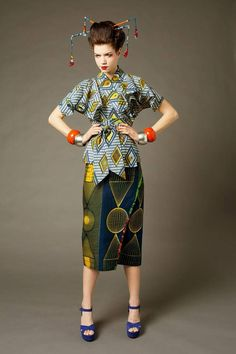Afro Geisha outfit by Nkwo.( original description) althought it´s more related to oiran kanzashi....