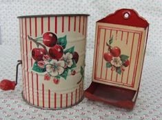 C. Dianne Zweig - Kitsch 'n Stuff: Vintage Red and White Tin Kitchen Collectibles: Post War Favorites