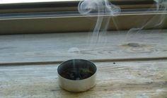 Caffè: Il fumo provocato dal caffè che brucia allontana api e vespe