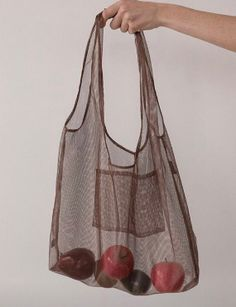 Those apples making our bags look real good Sewing Clothes, Diy Clothes, Transparent Bag, Diy Tote Bag, Reusable Grocery Bags, Brown Girl, Free Black, Fabric Bags, Market Bag
