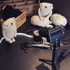 #behindthescenes .... #comingsoon ❤ . . . #amigurumis #amigurumi #crochet #häkeln #luiluhhandmade #bär #teddy #bear #crochetanimal #crochetpattern #amigurumipattern #etsyseller #etsy #etsyshop #etsystore #dollmaker #doll #dollmaker #häkelblogger #craftblogger #häkelanleitung #beaver #kawaii #kawaiicrochet #schachenmayr