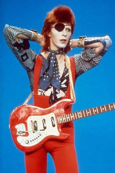 David Bowie Style File - Fashion History In Pictures | British Vogue