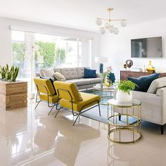 Be Fun with Mid Century Modern Living Room - These mid-century modern living room inspirations will take you back in the and offers you a retro feel, comfort, simplicity, and artistry design. Colourful Living Room, Boho Living Room, Home And Living, Modern Living, Home Room Design, Living Room Designs, House Design, Home Interior, Living Room Interior