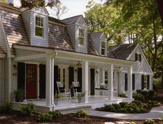 Delaware Beach Cottage Veranda Coastal Cottage Front Facade Porch by Barnes Vanze Architects, Inc House Front Porch, House Entrance, Front Porches, Front Porch Addition, Building A Porch, Dutch Colonial, Ranch Style Homes, Ranch Homes, Coastal Homes