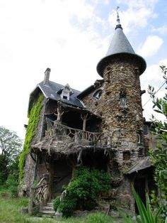 Places that are abandoned by man, i like most!