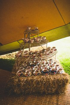 Tea Cup Cakes Rustic Tipi Farm Wedding http://aniaames.co.uk/