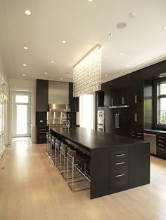 Kitchen Island Design Ideas – Minimalist kitchen island with seating options