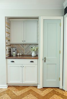I'm finally sharing the Pantry Reveal! Let me warn you, this isn't your ordinary pantry. This space has a built in coffee bar and hidden wine storage.