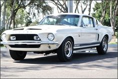 Can the 1968 Shelby GT500 KR beat the '65 Shelby 427 Cobra?