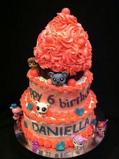 Giant Cupcake Birthday Cake Bittersweet Bake Shoppe Tyngsboro, Massachusetts