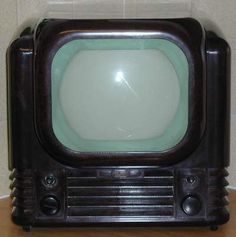 finds the one for you Vintage Television, Television Set, Vintage Tv, Vintage Black, White Tv, Black And White, Tv Sets, Antique Radio, Sound & Vision