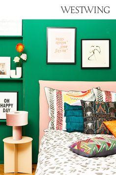 Każdy kolor ma swoje znaczenie i przekazuje określone doznania. Dlatego, tak ważne jest poznanie ich właściwości. Ale najpierw, przedstawimy Ci, podstawowe zasady łączenia kolorówe we wnętrzach. Podstawowymi trzema barwami w teorii kolorów są: żółty, niebieski oraz czerwony. Poznaj więcej tricków! / #Wallcolor Kolor ścian jak wybrać kolor ścian malowanie ścian Happy Day, Lounge, Influenza, Shabby, Tapestry, Beige, Home Decor, Airport Lounge, Hanging Tapestry