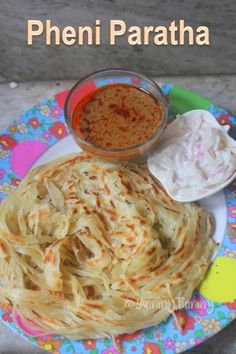 Such a flaky pheni paratha which is crispy and flaky at the same time. This paratha is super easy to make and taste delicious with raita and chicken curry. Veg Recipes, Indian Food Recipes, Vegetarian Recipes, Snack Recipes, Cooking Recipes, Dishes Recipes, Pizza Recipes, Chicken Recipes, Naan