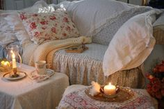 Prettiest, most cozy space ever. I long to have a outdoor porch where I can make this happen.