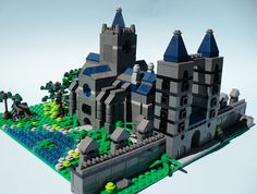 Beautiful micro-build.    Grand Temple- Micro (1) by ZephyrChaos, via Flickr