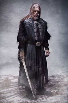 Le costume du guerrier Sacha, médiéval fantastique en cuir, est disponible à la location.