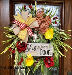 Southern Sass wreaths and decor has members. Deco Mesh Wreaths, Fall Wreaths, Christmas Wreaths, Country Wreaths, Western Wreaths, Diy Wreath, Wreath Making, Wreath Ideas, Wreaths For Front Door