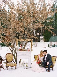 Rustic woodland wedding styled session at Foxwood House in Idaho.  Photo credit : Jackie Zurfluh Photography  http://www.littlewhitebookcda.com/a-winter-romance/