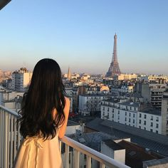 aesthetic girl Image about girl in Style/Fashion by superstream Ulzzang Korean Girl, Cute Korean Girl, Ulzzang Couple, Korean Aesthetic, Aesthetic Hair, Japanese Aesthetic, City Aesthetic, Beige Aesthetic, Uzzlang Girl