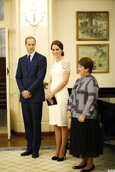 Kate Middleton Steals All William's Attention On Last Day In Australia | Huffington Post