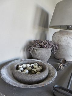 Could DIY this by dipping a thrift store bowl in concrete. Concrete Projects, Diy Projects, Pasta Piedra, Tadelakt, Diy Interior, Home And Deco, Rustic Interiors, Wabi Sabi, Rustic Chic