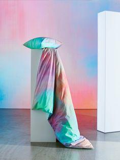 Sengesett for et lysere soverom Ikea Ps, Ikea Hack, Antler Art, Art Articles, Compact Living, Swedish House, Make Your Bed, Textiles, Upholstered Beds