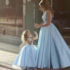 """2,887 Likes, 49 Comments -  BLOG FESTEJAR COM AMOR  (@festejarcomamor) on Instagram: """"Inspiração maravilhosa do @ouniversodasnoivas para mãe e filha! Um sonho!     …"""""""