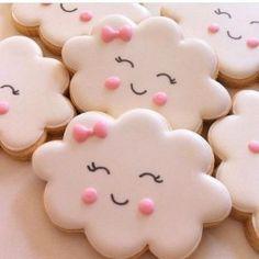 Paps e Moldes de Artesanato - Festa Chuva de Amor - Fancy Cookies, Valentine Cookies, Iced Cookies, Cute Cookies, Royal Icing Cookies, Cookies Et Biscuits, Cupcake Cookies, Sugar Cookies, Vanilla Cookies