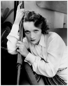 Marlene Dietrich, 1931 ~ vintage everyday: 40 Gorgeous Fashion Photos Taken by Edward Steichen During the 1920s and 1930s