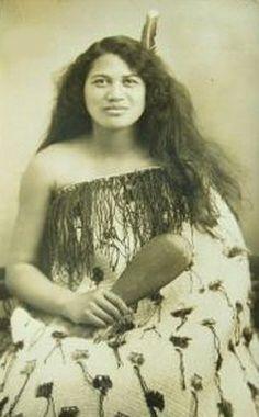 Bildresultat för images of beautiful maori women Polynesian People, Polynesian Culture, Old Photos, Vintage Photos, Maori People, Maori Designs, Maori Art, Native American History, People Of The World