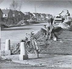 Aanleg van trottoir bij de Galgenweg 1975