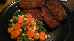 Hey yo its me Jeremiah jerry the one only me my dinner tonite salad with bacon bits cucumbers tomatoes Italian dressing shake bake pork chops mixed vegetables how u doing too my family friends followers my haters love me iam praying for u Godbless