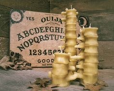 Large Human Spine Candle, Spooky Beeswax Halloween Candle - Real Time - Diet, Exercise, Fitness, Finance You for Healthy articles ideas Halloween Candles, Halloween Home Decor, Halloween House, Halloween Treats, Halloween Decorations, Chic Halloween, Wedding Decorations, Wedding Ideas, Candle Molds