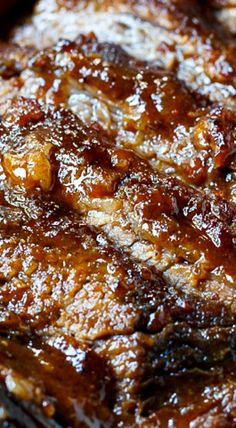 This Oven-Barbecued Beef Brisket is so smokey and flavorful no one will ever guess it wasn't cooked on the grill! Venison Recipes, Crockpot Recipes, Cooking Recipes, Beef Meals, Tofu Recipes, Cooking Ideas, Easy Recipes, Ramadan Recipes, Ramadan Meals