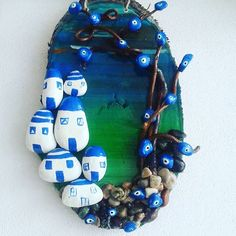 HUZUR SOKAĞI (Yaşamaya Değer Hobiler) Stone Crafts, Rock Crafts, Diy And Crafts, Arts And Crafts, Pebble Painting, Stone Painting, Christmas Pebble Art, Sea Glass Mosaic, Nautical Theme Decor