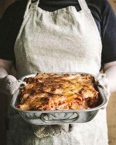 Uunipaistos pastasta ja tomaattikastikkeesta on superhelppo Salty Foods, Sweet And Salty, Something Sweet, Food Inspiration, Recipies, Food And Drink, Pasta, Meals, Baking