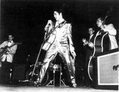 Elvis Presley - Maple Leaf Gardens - Toronto - April 2, 1957  1st Show