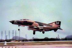 F-4E Phantom II of the 421st Tactical Fighter Squadron – 1972, Da-Nang.