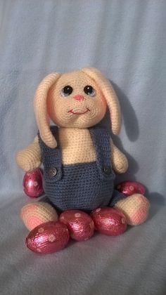 Bunny Blue Eyes in Jeans crochet pattern by Amineke on Etsy