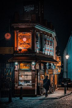 A Magical Eatery In Leeds : pics Beautiful Buildings, Beautiful Places, Places To Travel, Places To Go, Street Photography, Travel Photography, Medieval Houses, England And Scotland, City Aesthetic