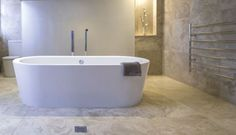 Plazia Freestanding Bath
