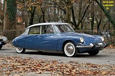 Citroen DS19 ....my girl friends' parents had one.....such a wonderful feeling in this car....