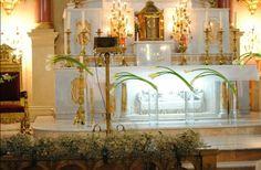 Decoración de altar con alcatraz realizado por flower Market  Www.facebook.com/flowerMarket